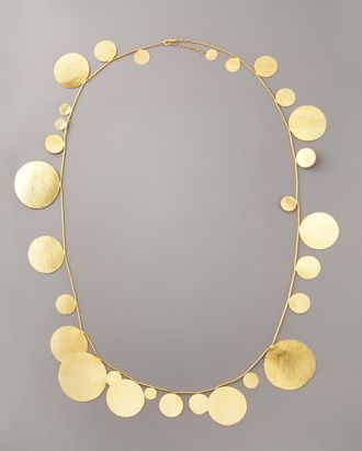 reminds me of a necklace my mother with had that I thought was liquid gold