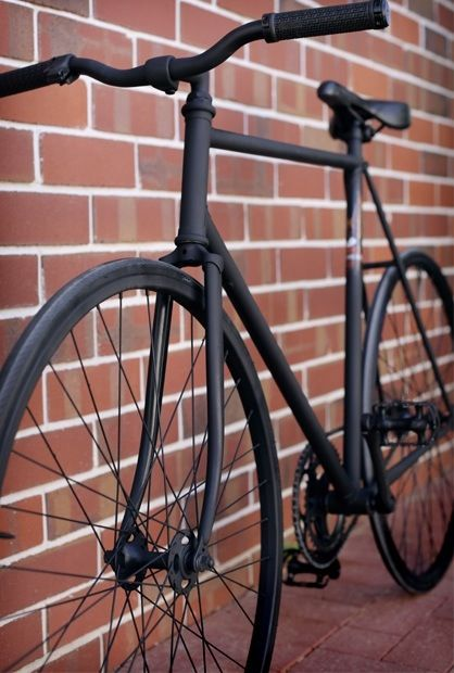 matte black fixie bike black sadle black wheels Like & Repin. Noelito Flow. Noel http://www.instagram.com/noelitoflow