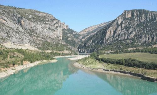 L' Aiguabarreig, the fluvial union between the rivers Segre (Catalonia), Cinca (Aragon) and Ebro (Aragon and Catalonia).