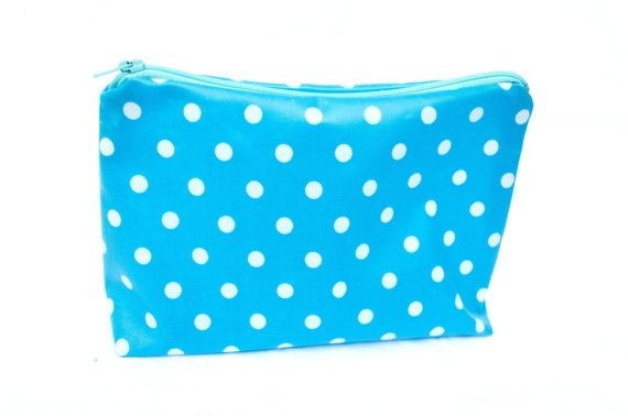 Blue Polkadot zipper pouch water resistant by Aylasworld on Etsy, €7,50