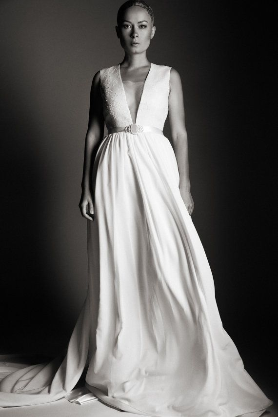 1000 ideas about dramatic wedding dresses on pinterest for Wedding dresses with dramatic backs