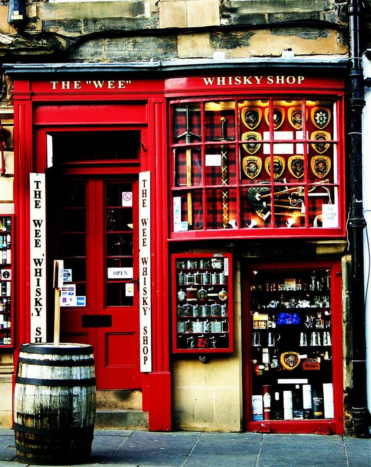 The Wee - Whisky Shop, Edinburgh - Scotland