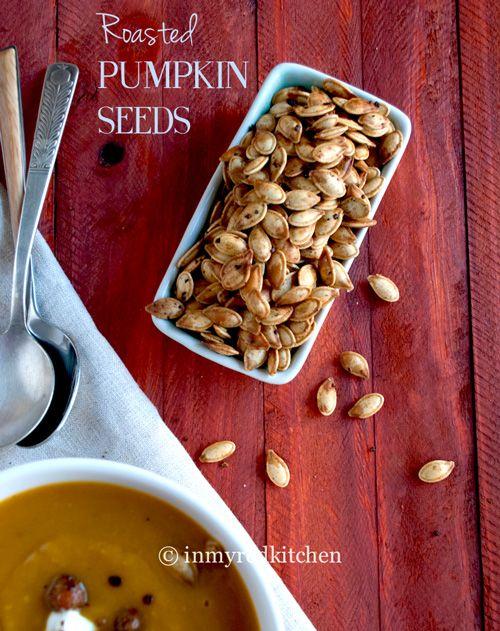Wat is dit een lekkere gezonde snack! Geroosterde pompoenpitten met een vleugje herfst en een spicy bite, het is zonde om de pompoenpitten weg te gooien!