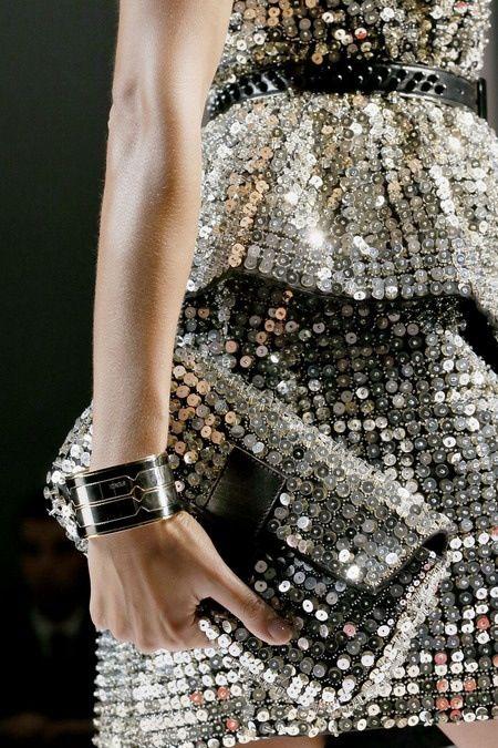 We <3 #silver #fashion.