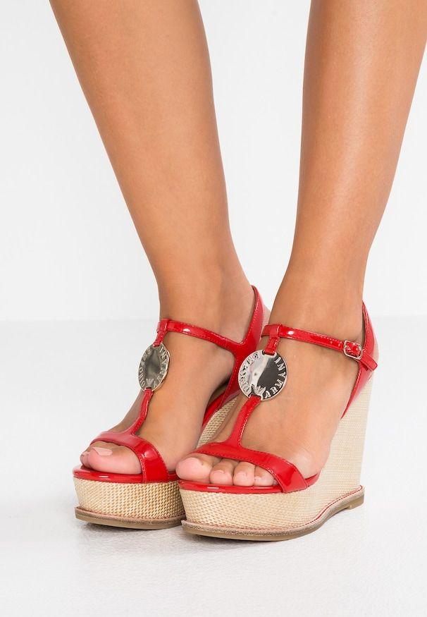 5479d180 LOGO BUCKLE WEDGE - Sandaler med høye hæler - red/rosso | WEBFINDS |  Emporio armani, Sko og Klær