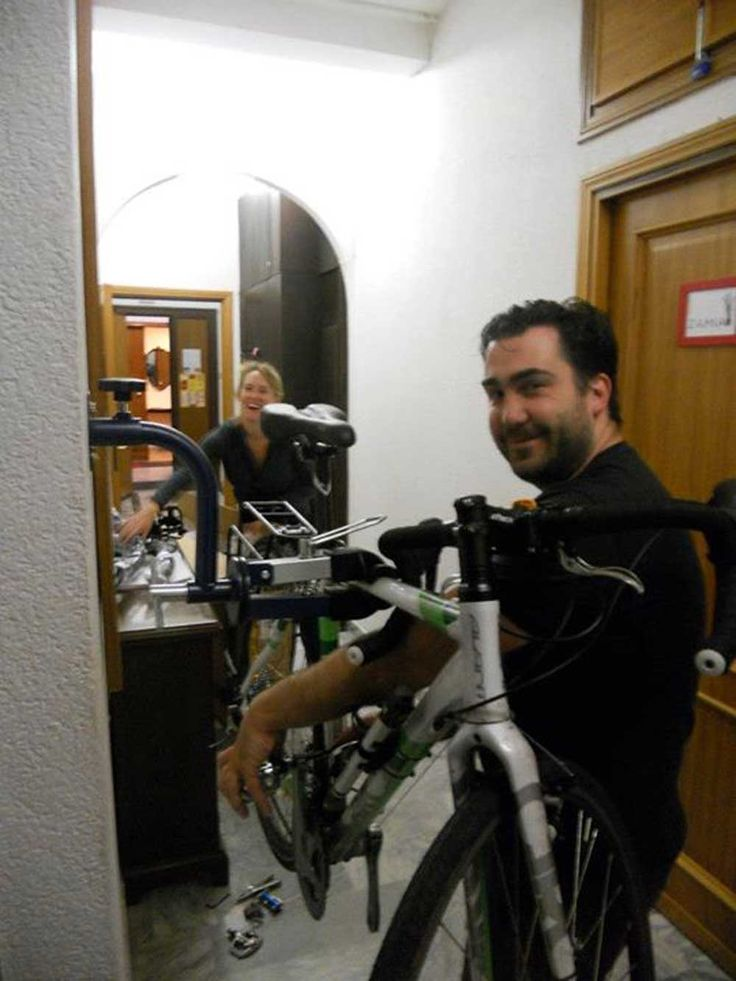 Martini Bed's guests fixing bicycles before #CyclingHolidayinItaly