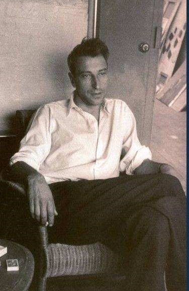 Nicolas de STAEL un des artistes les plus influents européens de la période de l'après-guerre; Partant du figuratif il parvient à pénétrer le fond du réel de la nature jusqu'à l'assainir pour la présenter comme une ébauche abstraite.Pris en tenaille entre les tenants de l'abstraction et ceux de la figuration.De nombreux spécialistes    considèrent Nicolas de Staël comme le  peintre le plus raffiné de l'art moderne du XXe siècle.