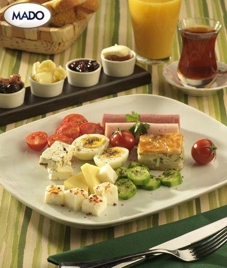 Hafta ortasında #Mado Klasik kahvaltı ile güne leziz bir başlangıç yapın.
