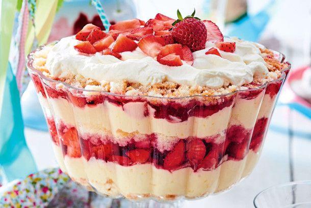 Kuchen & Torten Rezepte: Götterschichtspeise mit Erdbeeren