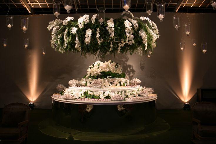 Casamento clássico: mesa de doces