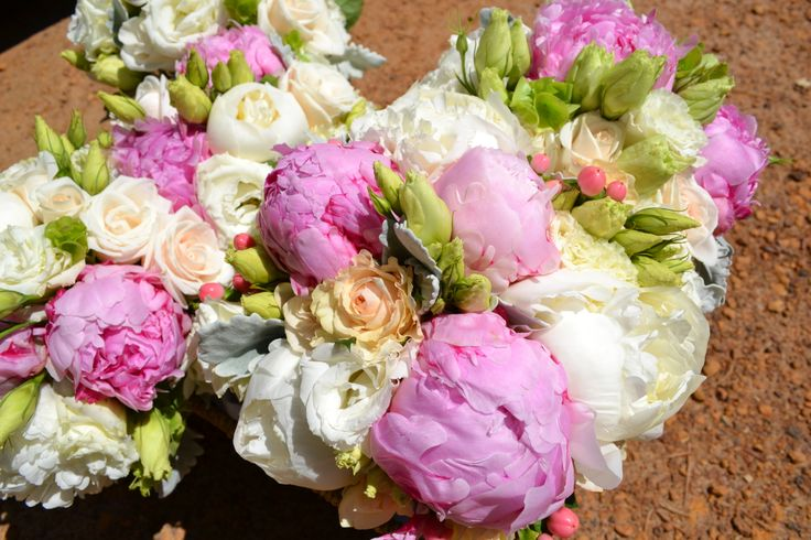 Peonies, roses and lisianthus.
