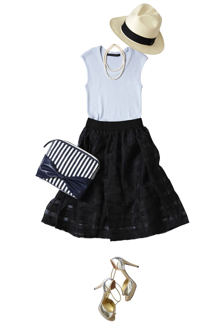 真夏の黒は、透け感とメリハリコーデで爽やかに! ― A