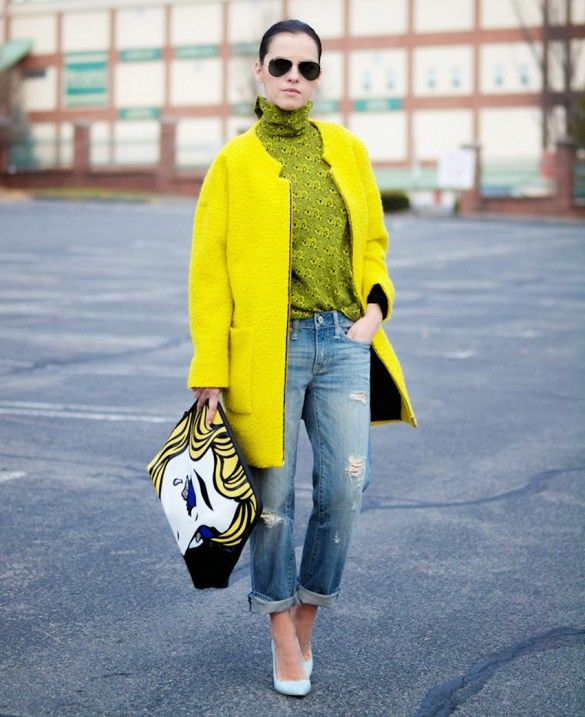 Turtlenecks in fun neon colors are always a good idea // #Streetstyle