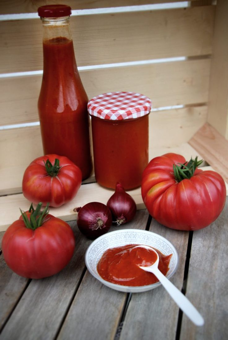 Tomatenketchup selber machen – Tomaten aus dem Garten   – Rezepte
