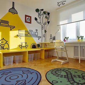 Jednoduchý nábytek proměňují v říši pohádek řezané grafiky Foto: