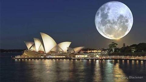 Super moon over Sydney Opera House @garyblackman #moon #sydney #supermoon #harboursidecruises