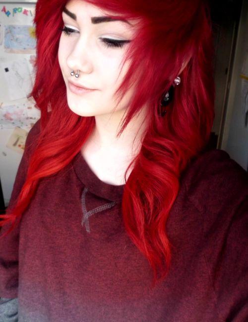 Pretty red scene hair