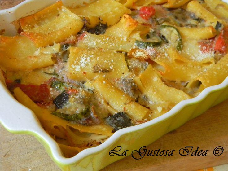 Pasta al forno con verdure e ricotta, un primo piatto ricco di sapore e facile da preparare. CLICCA QUI PER LA RICETTA: http://blog.giallozafferano.it/dolcevirginia/pasta-al-forno-con-verdure-e-ricotta/