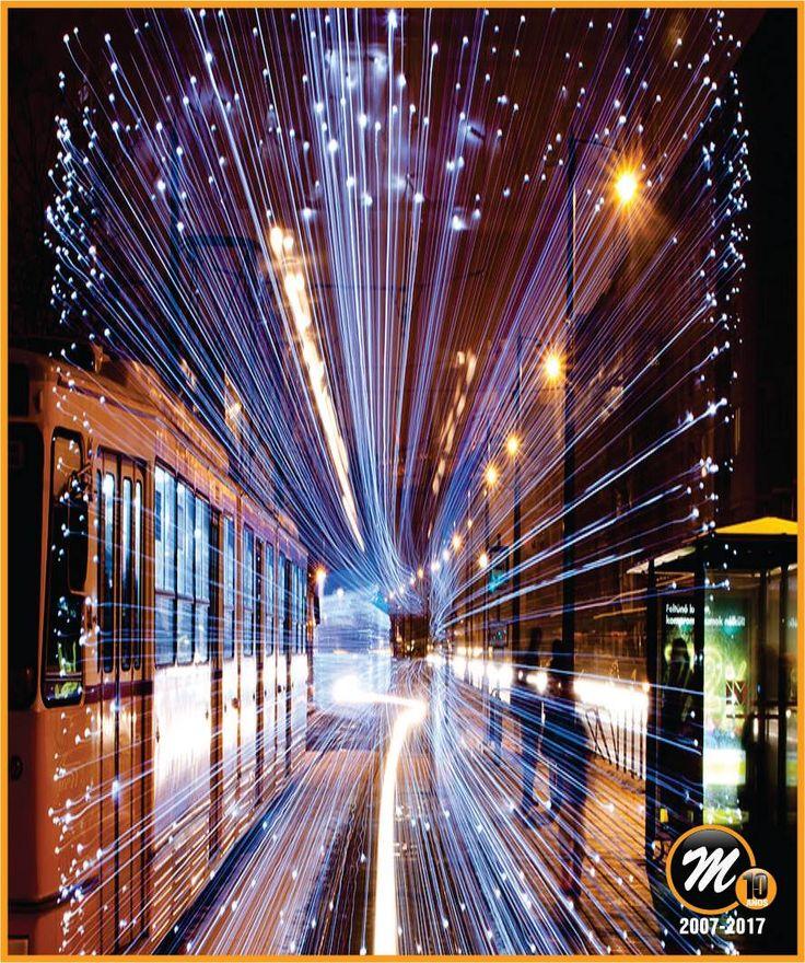VIAJAR A TRAVÉS DEL TIEMPO... En Budapest -Hungría-, los tranvías están cubiertos de 30.000 luces LED. La velocidad a la que transitan y el diseño de las unidades hacen que éstas parezcan verdaderas máquinas del tiempo.  ¿Qué les perece este hermoso espectáculo urbano?