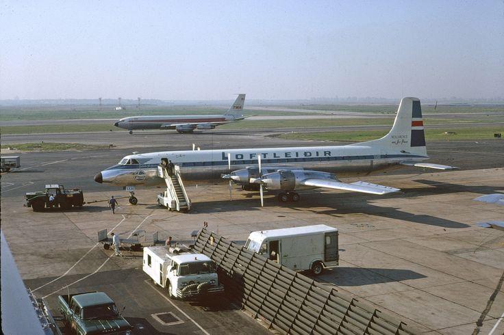 cl-44-icelandic-airlines-tf-llf-jfk-82666a-wja.jpg (1024×682)