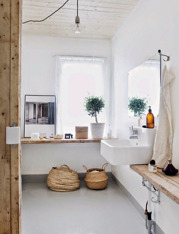 White Scandinavian Apartment With Natural Wood Accents | DigsDigs