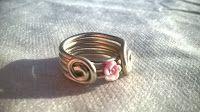 madreperla: anello wire con fiore in silicone          l ispir...