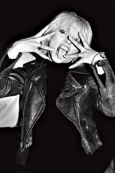 Debbie Harry | blondie | rock chick | love | free | black rock | crazy | music | trend setter | black  white | photography