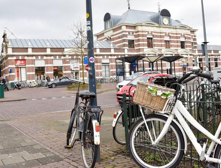 Opschoonactie fietsen rond NS station Hoorn.