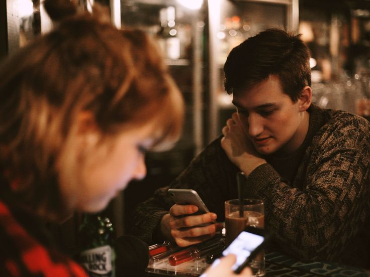 Social media rules every couple should follow according to a relationship expert