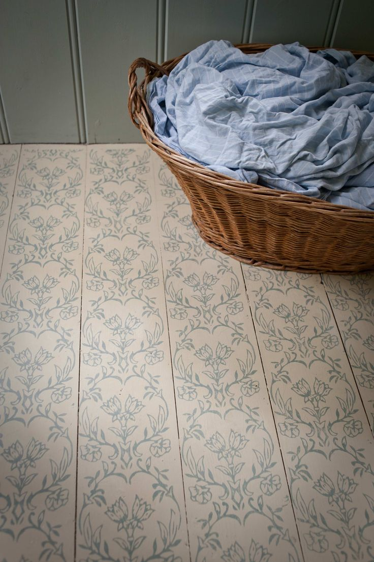 Tapet patterned paint roller on floorboards using Annie Sloan paints