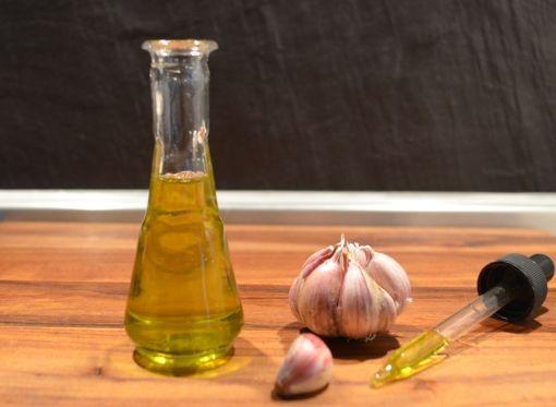 Масло од лук - чудотворен лек за болки во уво