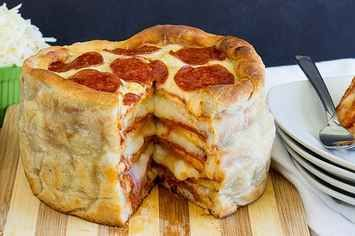 This Simple Recipe For Pepperoni Pizza Cake Is A Gift