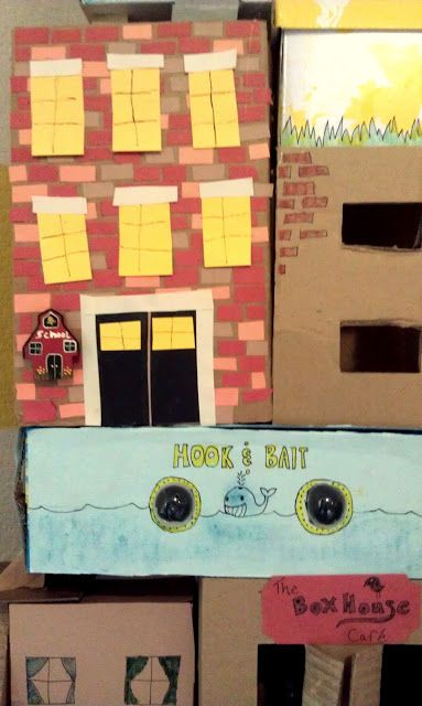 Nessa Dee: Crafty Friday: The Box House