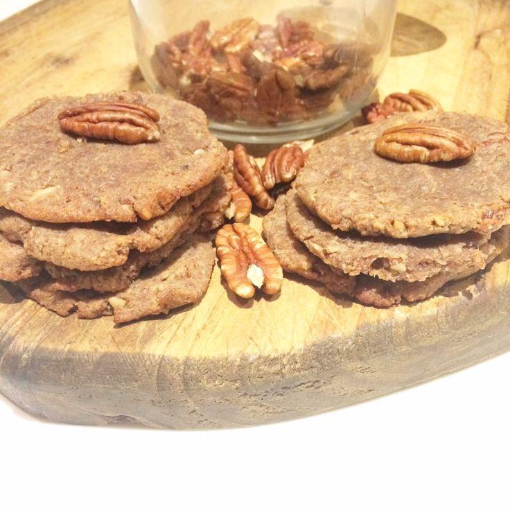 Een heerlijk en makkelijk recept voor crunchy pecan koekjes. Benieuwd? Check de blog van Juliët!