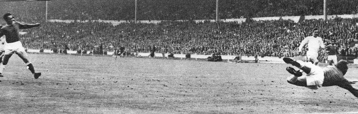 14th May 1966. Everton forward Derek Temple completes the Blues comeback to score the winning goal against Sheffield Wednesday in the FA Cup Final, at Wembley.