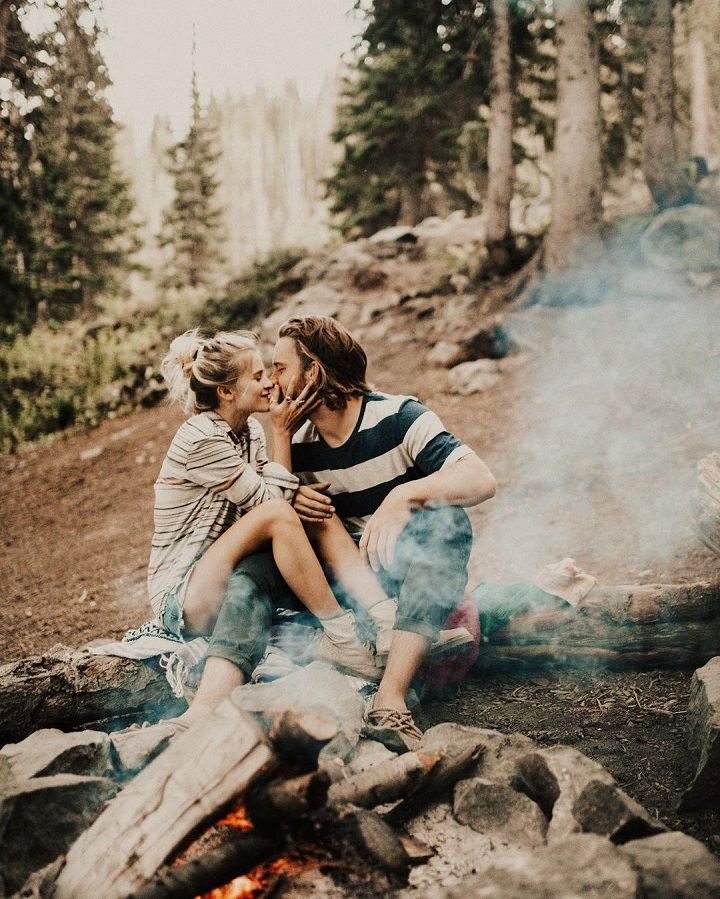 Fabulous engagement session - unique ideas for engagement photo shoot. This stunning camping engagement session...engagement photos idea