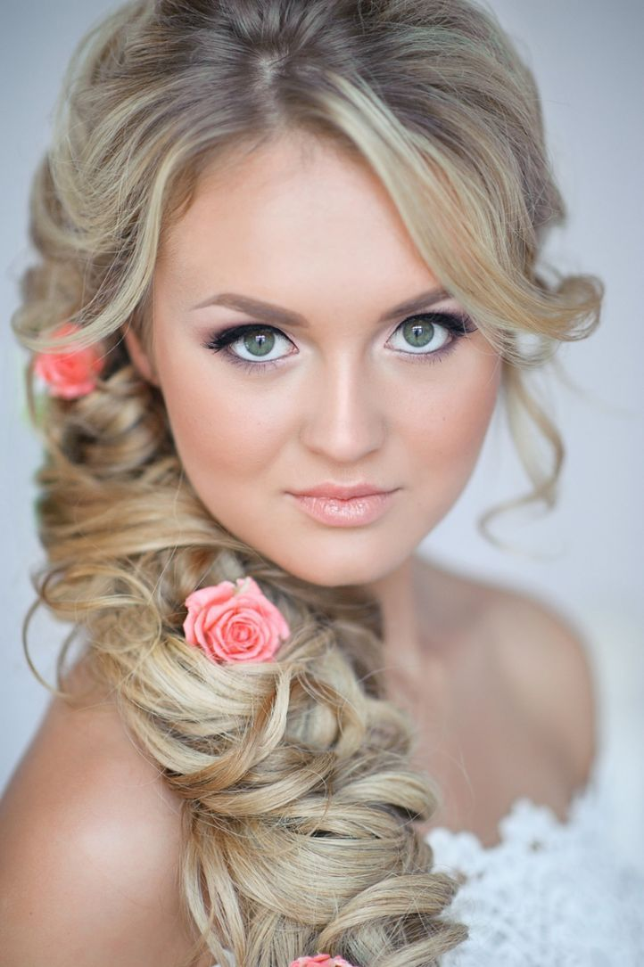 Tender wedding makeup for green eyes and blond hair ...