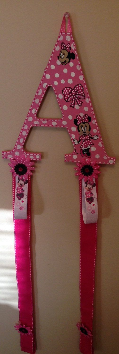 Minnie Mouse themed hair bow and head band par awcustomlettering