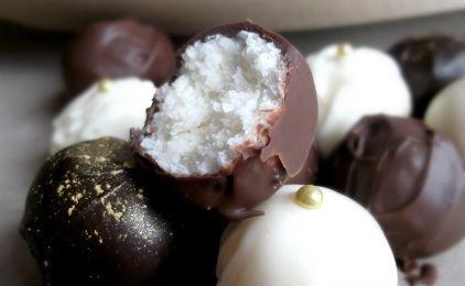 Τρουφάκια σοκολάτας με ινδυκή καρύδα