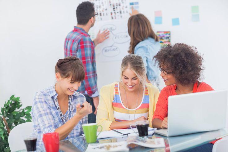 """Rozwój osobisty...  Jest stare powiedzenie, że """"człowiek uczy się przez całe życie"""". Rozwijamy się przez doświadczenie, naukę daje nam każde wyzwanie. Ważne jest, aby znaleźć w bliskich osobach wsparcie. To właśnie one dodają nam motywacji do działania i wspierają w przedsięwzięciach.  Jakie umiejętności rozwijacie w sobie teraz?  #IonaBMiles #motivation #personal #development #rozwój #osobisty"""
