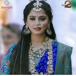 "(@anushkashettymysoul) on Instagram: ""All Bow down to the Queen ❤ DEVASENA #bahubali2 #AnushkaShetty #anushkashetty #Sweety #sweety…"""