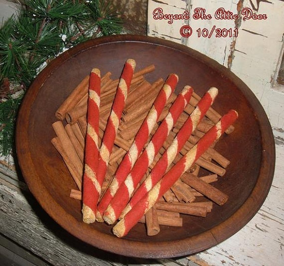 I love these primitive Candy Cane sticks from BeyondTheAtticDoor on Etsy! I bought some for Christmas 2011 and they tied in well to my vintage Christmas look!: Primitive Stuff, Primitive Fillers, Primitive Christmas, Primitive Candy, Primitive Stitchery, Primitive 1 ️Th, Primitive Colonial Christmas