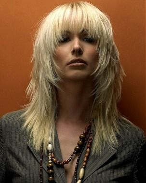 I wonder if I could get my hair to look like this even though it's thin?