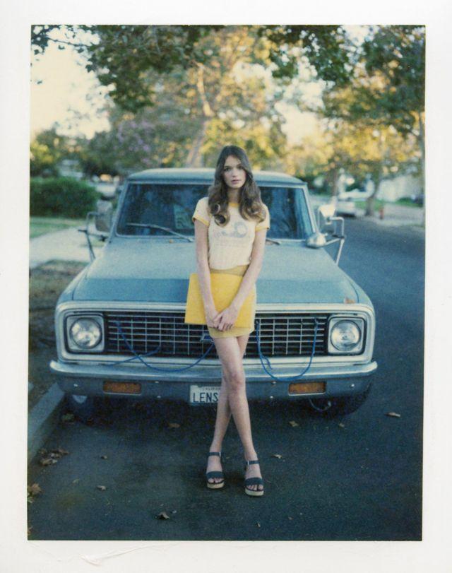 http://www.vintag.es/2016/07/polaroid-prints-of-teen-girls-in-1970s.html