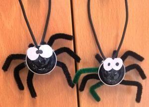 Trabalhos manuais para Halloween: aranhas com cápsulas de café expresso