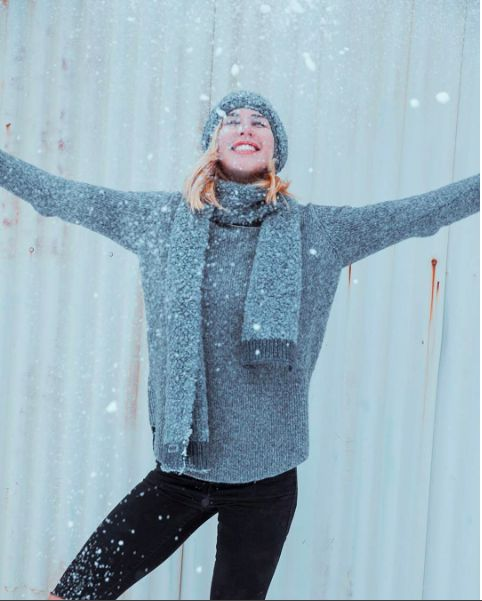 When the first snow starts to fall, grab your hat & scarf, go out and have fun!  Photo by @lindarellade  Faine beanie and Floris scarf available on napapijri.com