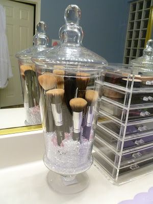 Great idea for storing make-up brushes so they don't gather dust/dirt/germs in the bathroom.