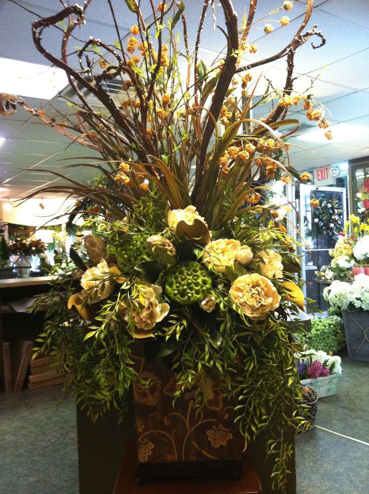 17 best ideas about large floral arrangements on pinterest large flower arrangements church for Arrangement floral artificiel