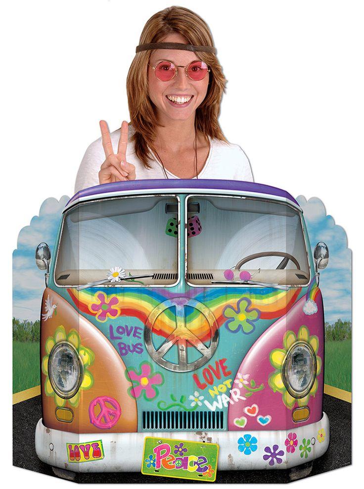 Passe-tête voiture hippie : Décoration originale en carton mesurant 94cm X 64cm avec découpe pour passer le visage le temps d'un cliché. Chacun prend la pose et devient, pendant un instant, un hippie...