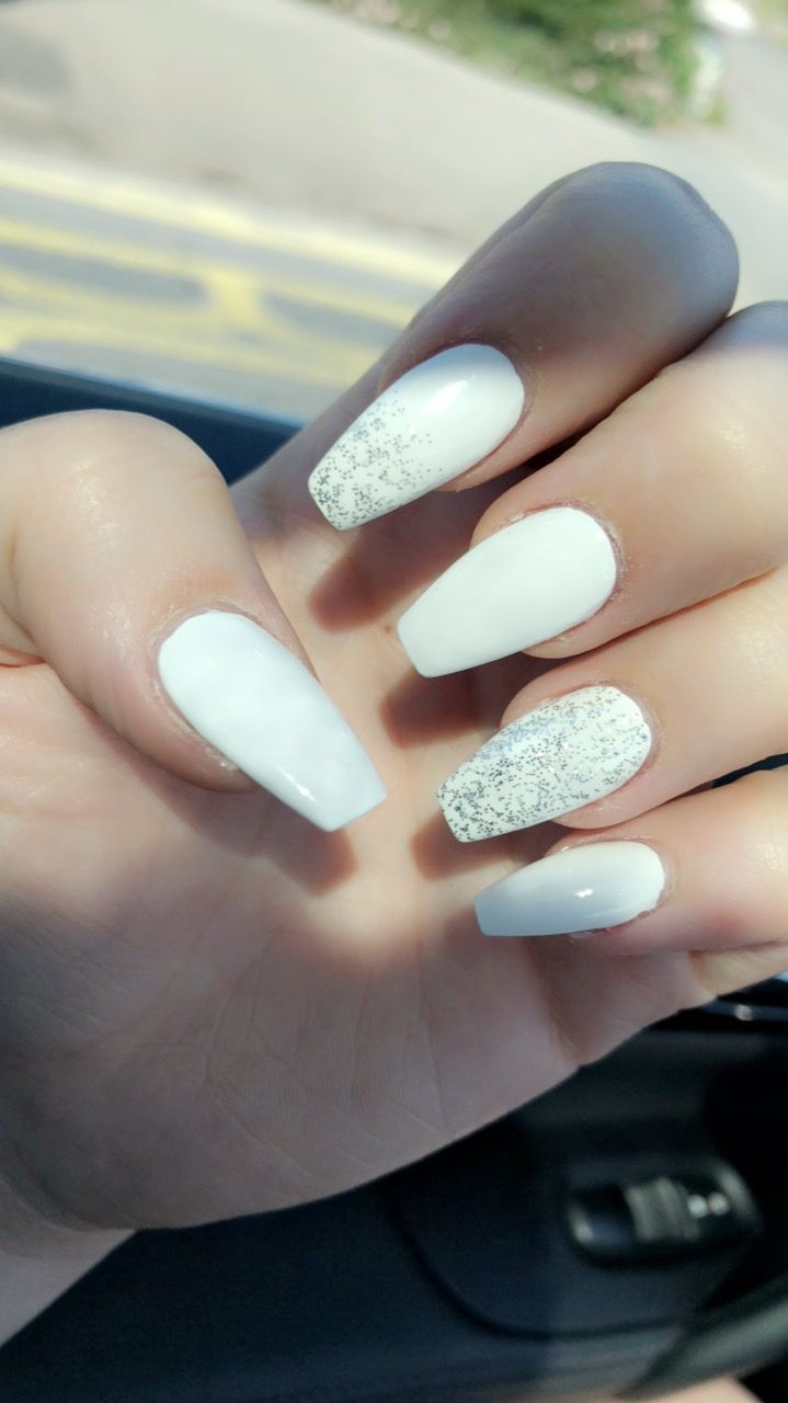 White And Silver Glitter Coffin Acrylic Nails Glitter Nails Acrylic White Acrylic Nails White And Silver Nails